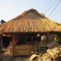 Nhà tre mái lá resort, nhà hàng